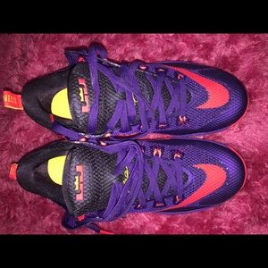 Nike Lebron XII Low Cut Violet Court Cave Orange